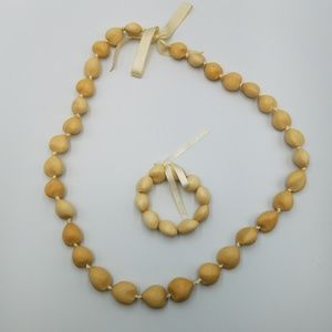 "Blonde 7"" Kukui Nut Lei & Stretch Bracelet Set"